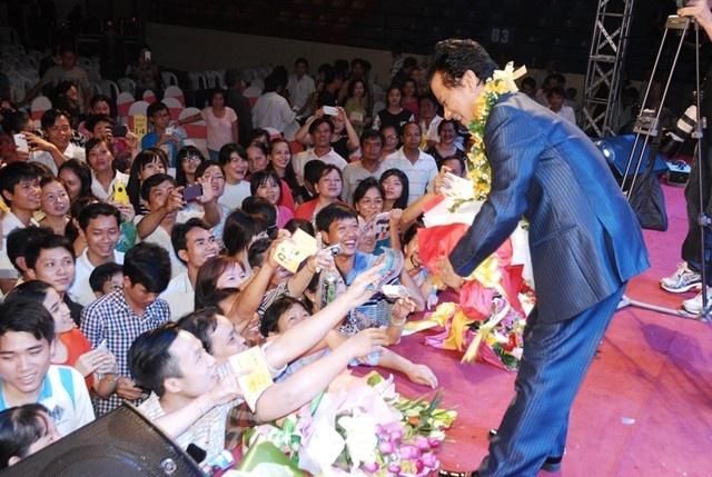 Che Linh moi Hoai Lam tham gia live show rieng hinh anh 2