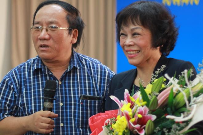 Tran Dang Khoa ngac nhien khi Nguyen Thi Minh Thai lam tho hinh anh