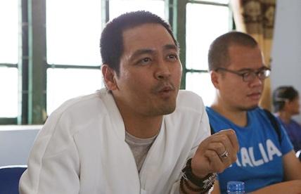 MC Phan Anh tro lai vung lu, du kien xay be boi cho hoc sinh hinh anh