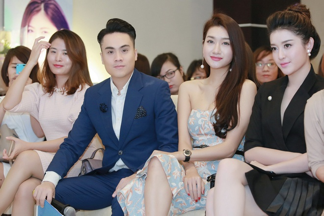 MC Thai Dung tang hoa mung sinh nhat Huyen My anh 7