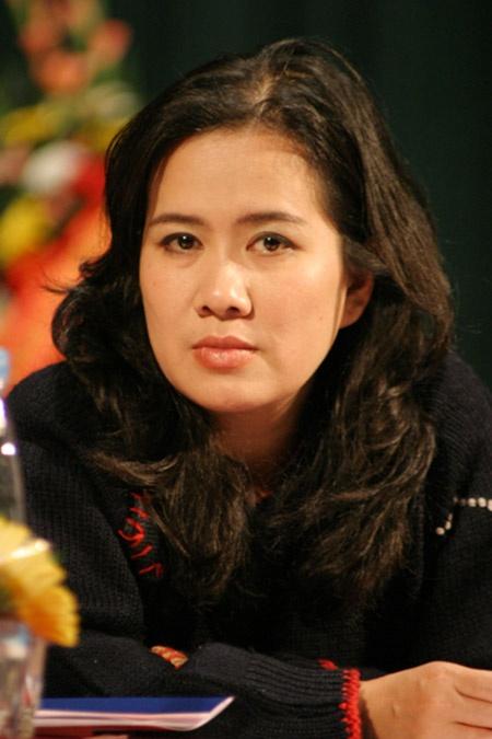 Trang Nhung noi ve me chong anh 2