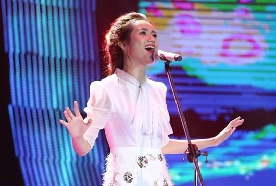 Duc Tri uu ai 'ban sao My Tam, Ha Ho' o Sing My Song? hinh anh