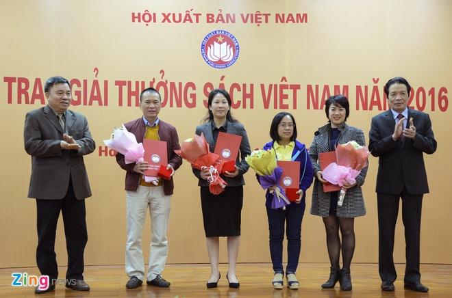 Hoi Xuat ban trao giai thuong Sach Viet Nam 2016 hinh anh 2