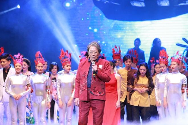 Thu Phuong lam roi micro trong show Pho Duc Phuong hinh anh 12