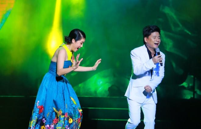 Thu Phuong lam roi micro trong show Pho Duc Phuong hinh anh