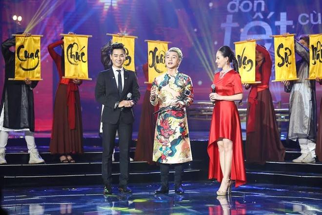 Son Tung M-TP hao hung selfie voi MC Nguyen Khang hinh anh 3