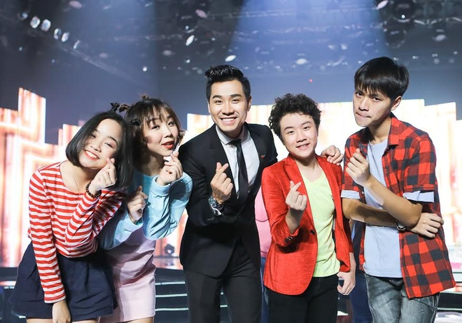 Son Tung M-TP hao hung selfie voi MC Nguyen Khang hinh anh 6
