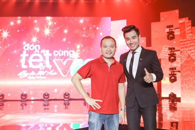 Son Tung M-TP hao hung selfie voi MC Nguyen Khang hinh anh 7