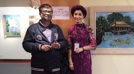 Dien vien Luong Giang mang tranh thieu nu ao dai den An Do hinh anh