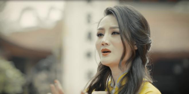 Sao mai Phuong Thuy ra mat MV ve chu hieu trong dip Tet hinh anh 1