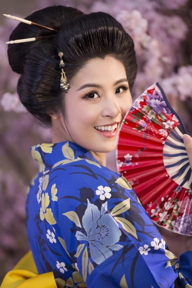 Hoa hau Ngoc Han, My Linh do dang voi trang phuc kimono hinh anh 7