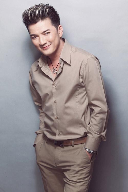 Dam Vinh Hung lam show 'du the loai nhac' tang phu nu dip 8/3 hinh anh 1