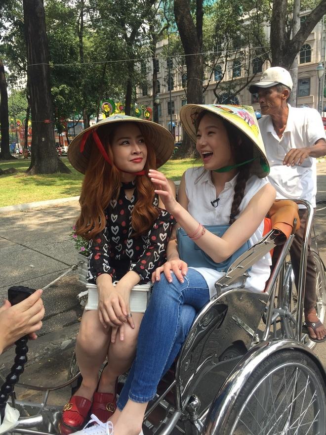 A hau Han Quoc dao choi Sai Gon cung Chi Pu hinh anh 2