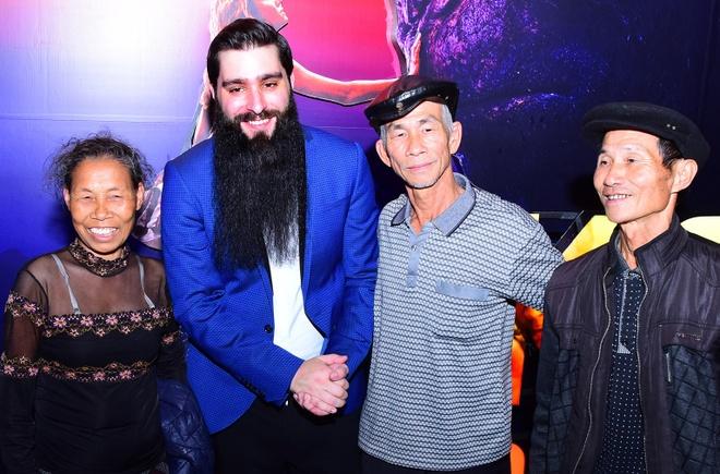 Dao dien 'Kong: Skull Island' hoi ngo dien vien Viet dong vai tho dan hinh anh