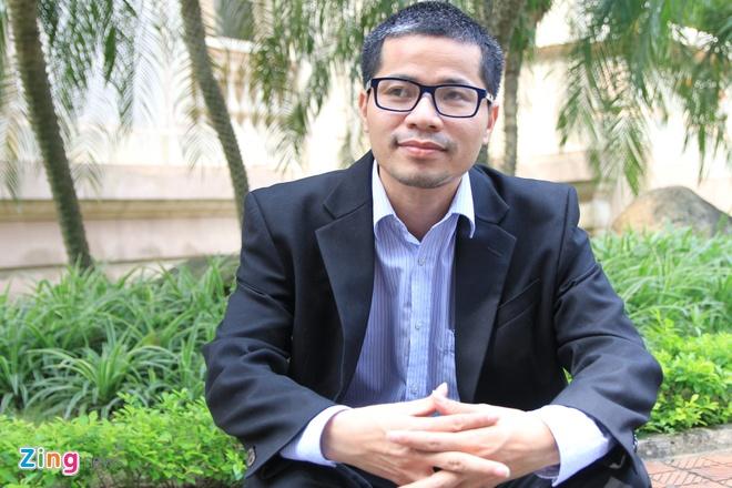 Nguyen Quang Thach: Phai ngoi xe lan van 'cong' sach ve lang hinh anh