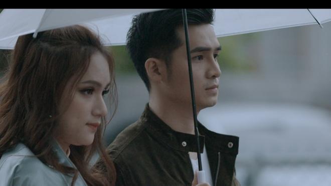 Duong Hoang Yen ngai khi ban trai tinh tu voi Huong Giang Idol hinh anh