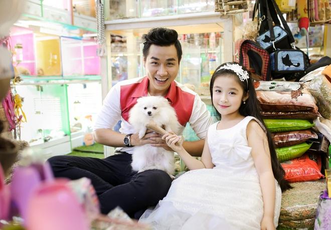 MC Nguyen Khang dua Bao Ngoc di dao Duong Sach nhan 1/6 hinh anh 5