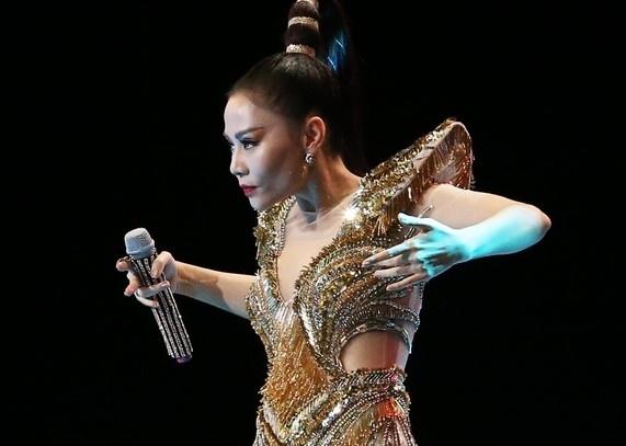 Thu Minh: Diva khong ngai hay phuong hoang hoi sinh tu bien lua? hinh anh