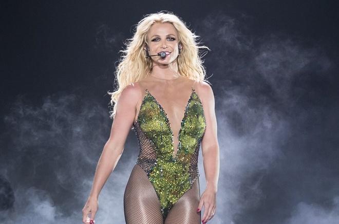 Tai sao Britney Spears hat nhep van hut hon 20.000 khan gia o Bangkok? hinh anh