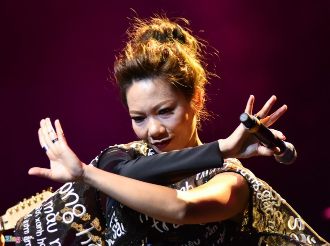 Ha Tran hat nhac Hari Won: Diva dang tu pha 'den dai'? hinh anh