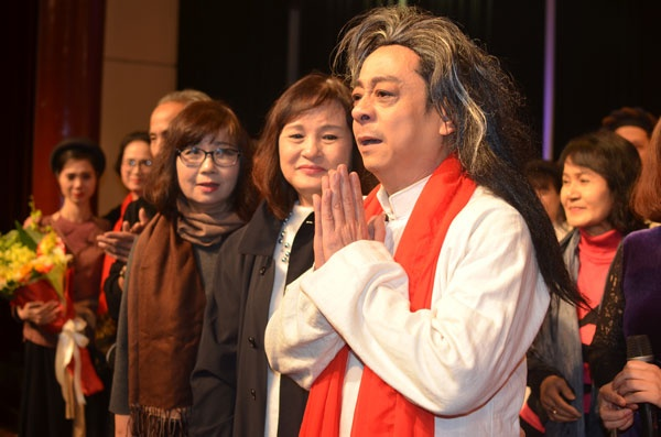 'Ong trum Phan Quan' tung dien tren san khau kich voi chi 8 nguoi xem hinh anh 1