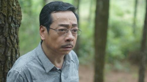 'Ong trum Phan Quan' tung dien tren san khau kich voi chi 8 nguoi xem hinh anh