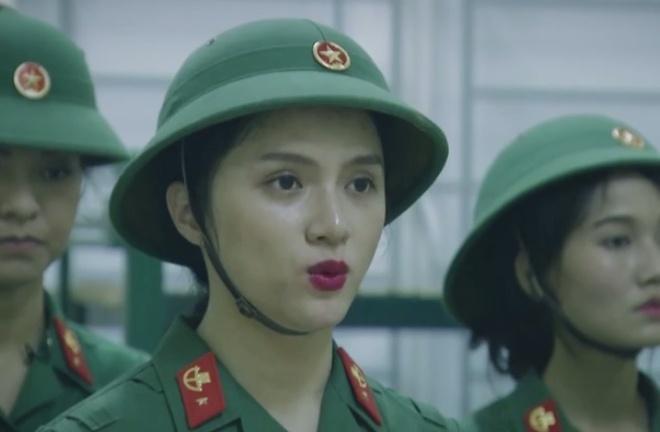 Mai Ngo, Huong Giang Idol so hai khi phai gac dem trong quan ngu hinh anh