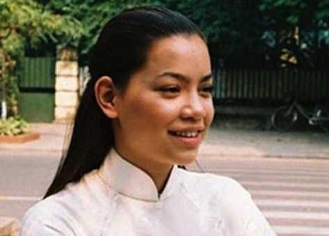 Dao dien noi gi khi Vi Cam, Ho Ngoc Ha khong tro lai 'Hoa co may'? hinh anh