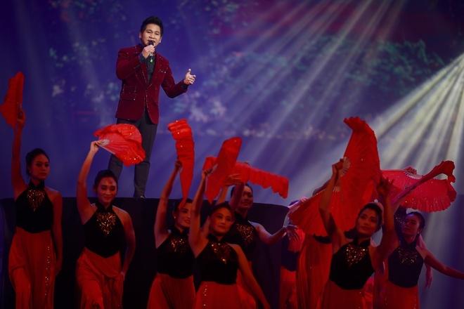 Trong Tan khong dam nhan Hong Nhung lam hoc tro hinh anh 3