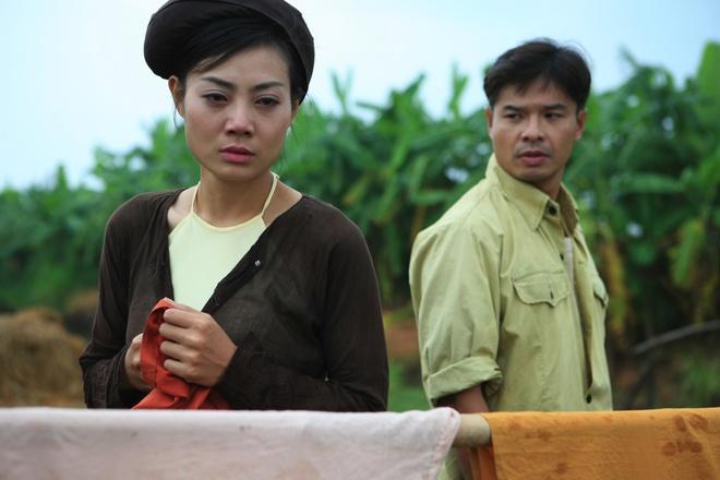 Phan Huong 'Nguoi phan xu' huong dan ban dien dong canh nong phim moi hinh anh 2