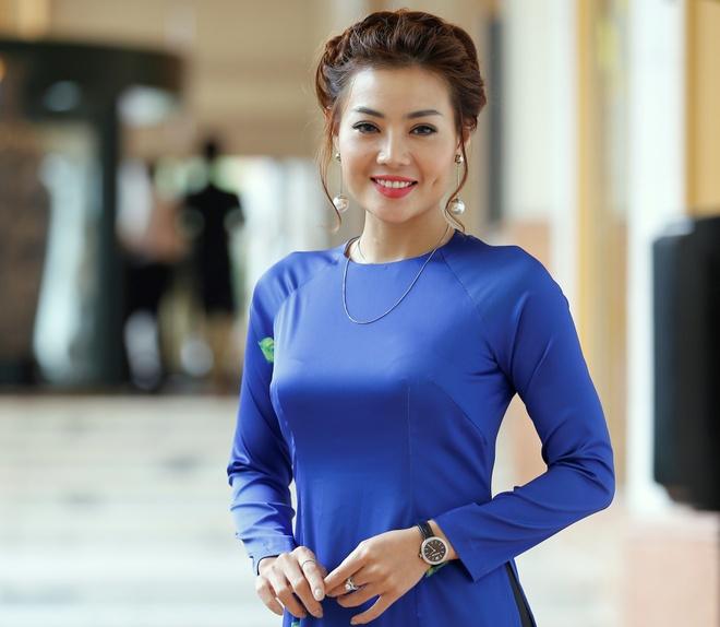 Phan Huong 'Nguoi phan xu' huong dan ban dien dong canh nong phim moi hinh anh 1
