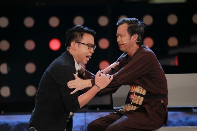 Hoai Linh khien khan gia Ha Noi cuoi 'chay nuoc mat' hinh anh 4
