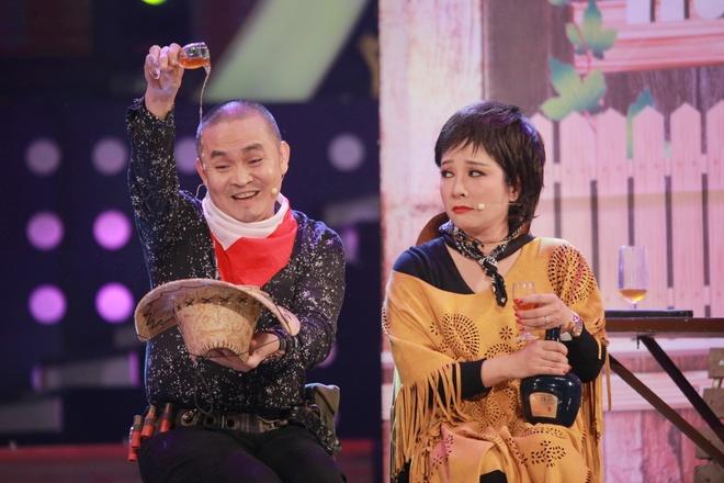 Hoai Linh khien khan gia Ha Noi cuoi 'chay nuoc mat' hinh anh 6