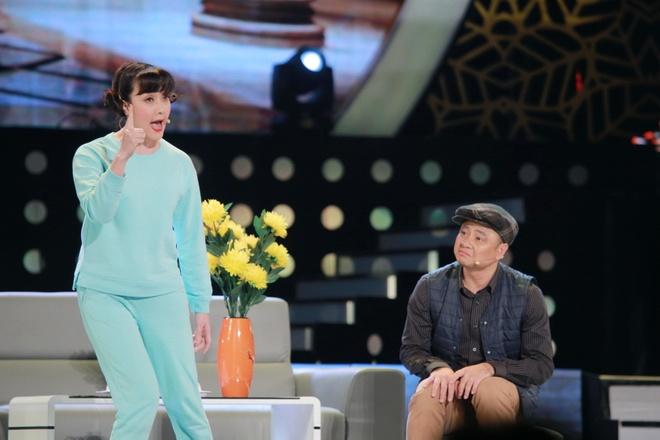 Hoai Linh khien khan gia Ha Noi cuoi 'chay nuoc mat' hinh anh 8