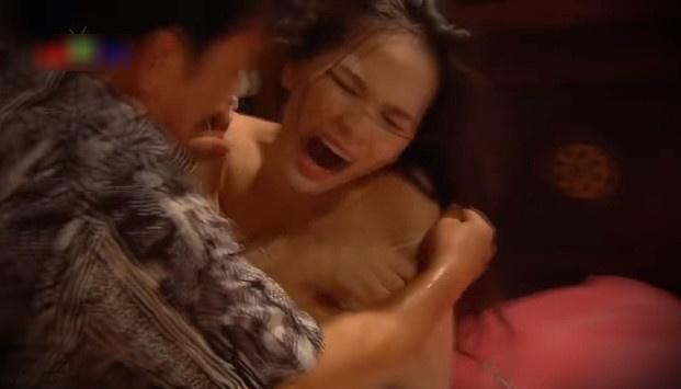 'Xe ao trong phim hai de gay cuoi, khong phai khieu dam'? hinh anh