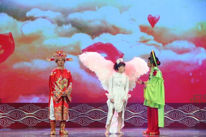 Tao Y te deo canh thien than, Tu Long khong ngung livestream hinh anh 5