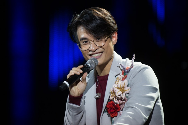 Ha Anh Tuan bieu dien tai See Sing Share Concert hinh anh