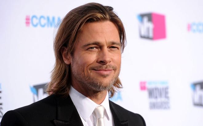 Brad Pitt bat Ryan Reynolds mua ca phe de tham gia 'Deadpool 2' hinh anh 1