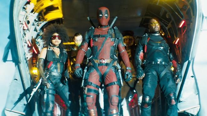 Brad Pitt bat Ryan Reynolds mua ca phe de tham gia 'Deadpool 2' hinh anh 2