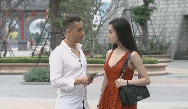 Quang cao 1/5 thoi luong phim, 'Nguoi phan xu' tien truyen gay buc xuc hinh anh 1