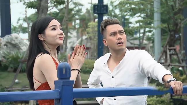 Quang cao 1/5 thoi luong phim, 'Nguoi phan xu' tien truyen gay buc xuc hinh anh