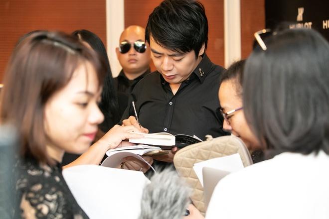 'Than dong piano' Lang Lang den Ha Noi khen con gai Viet Nam dep hinh anh 2