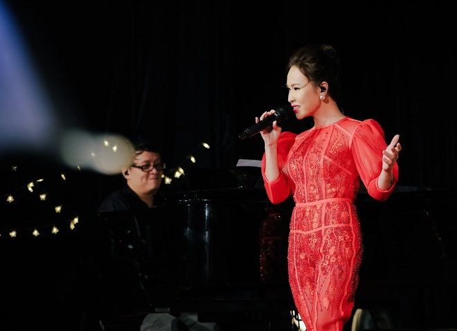 Uyen Linh: 'Mua duoc nha nho bai hat Cho nguoi noi ay' hinh anh 1