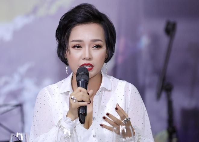 Thai Thuy Linh: 'Khi toi bo pop rock, ban be da soc va khuyen can' hinh anh