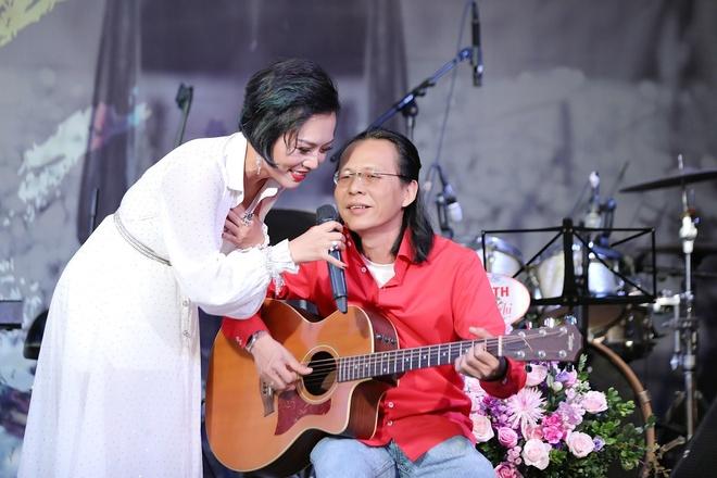 Thai Thuy Linh: 'Khi toi bo pop rock, ban be da soc va khuyen can' hinh anh 2