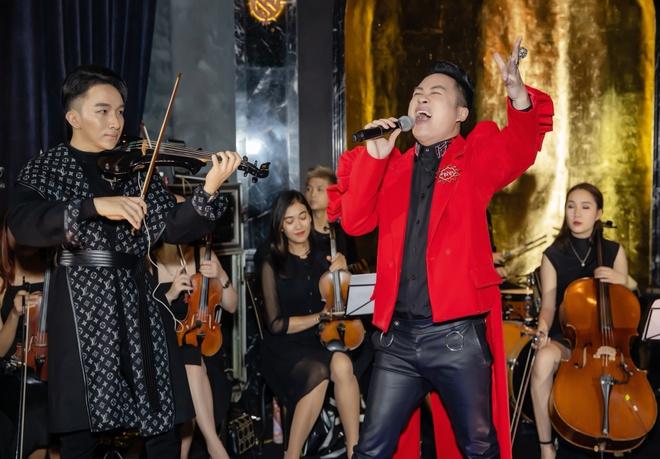 Tung Duong thang hoa cung tieng dan violin duong dai cua Hoang Rob hinh anh 1