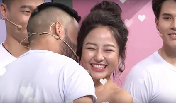 Hot girl Tram Anh tiep tuc bi cat song khoi game show tren VTV hinh anh 2