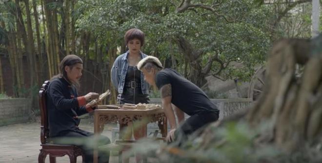 'Me cung' tap 10: Lam Anh (Hoang Thuy Linh) bi truy sat hinh anh 3