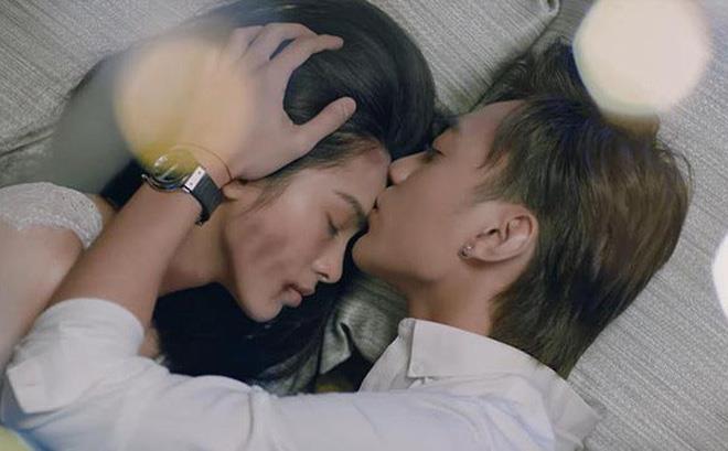 Soobin Hoàng Sơn tự cover ca khúc mới, khán giả khen 'hay hơn cả MV'