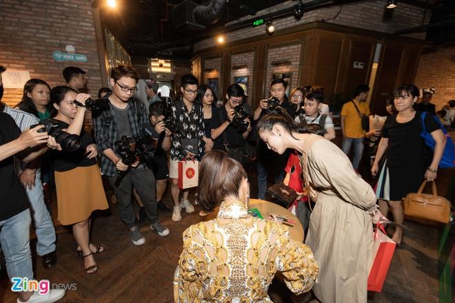 Hoang Thuy Linh ra album moi ve doc than, dung nhieu ca dao tuc ngu hinh anh 7